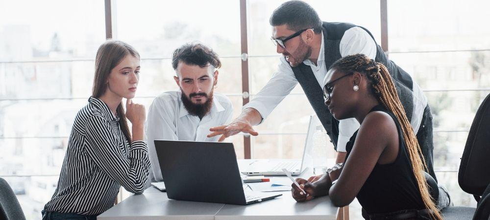 hnz-consultoria-e-treinamentos-blog-prioridades-do-lider-de-ti-e-desafios-atuais