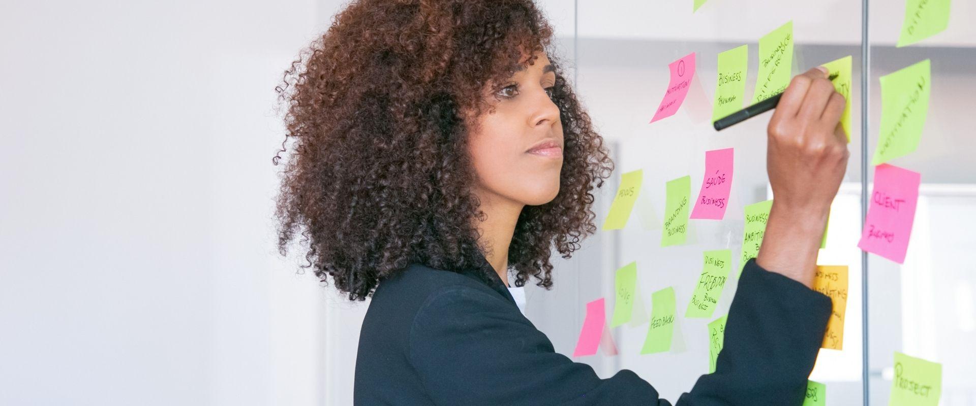 O que é gestão visual e como aplicá-la na sua empresa